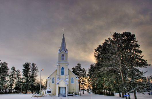800px-Church_Rabbit_Hill_Alberta_Canada_03A