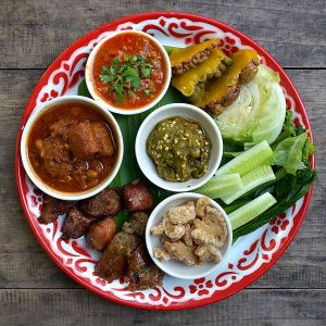 600px-Lanna_cuisine_starters[1]
