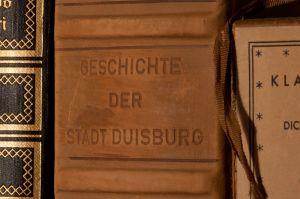 800px-Buch_Geschichte_der_Stadt_Duisburg_01