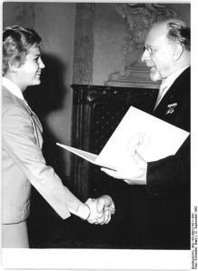 Vaterländischer Verdienstorden an Ingrid Krämer