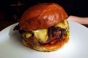 Hamburger_-_Hawksmoor,_Covent_Garden,_London