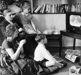 tv_shows_we_used_to_watch_-_1955_television_advertising_4934882110