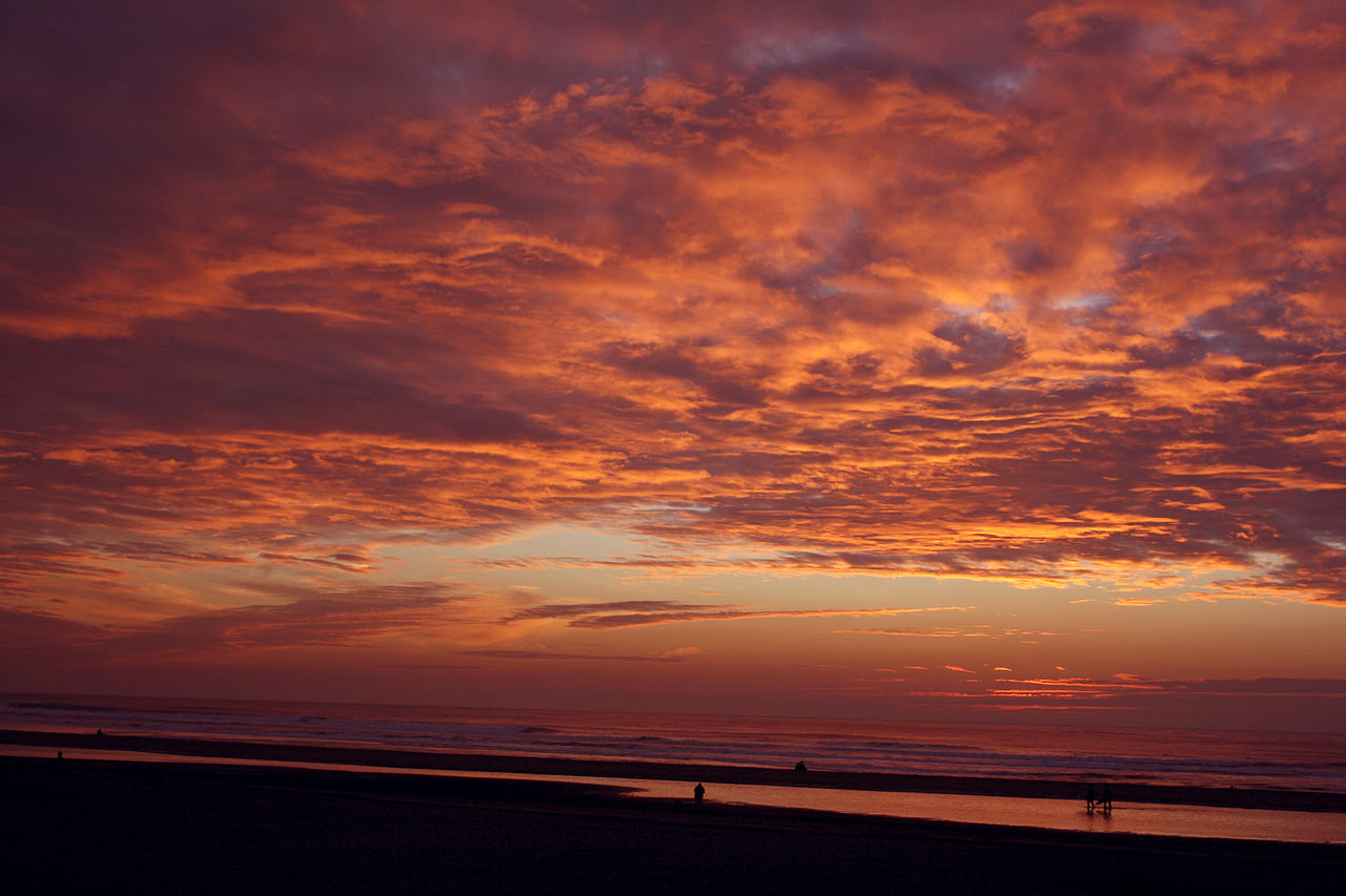 1280px-Sunset_at_ocean_in_san_francisco